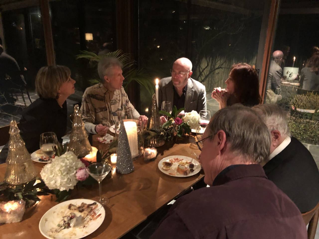 CBB members had a great time at the beautiful house of our hosts Kate & Mike. The house was designed by Hausner & Macsai.